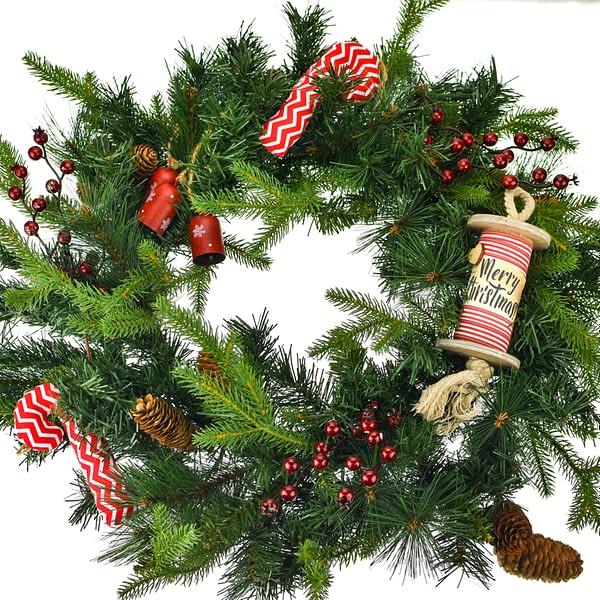 χριστουγεννιάτικο στεφάνι με κουκουνάρια